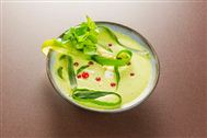 Voir la recette : Soupe de concombres à la feta et coriandre