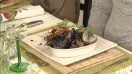 Voir la recette : Salade de roquette sauvage et terre grèpe / Cassolette de moules en sauce verte à la bourrache