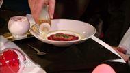 Voir la recette: Biscuits roses de Reims accompagné d'une compote de fraises flambée
