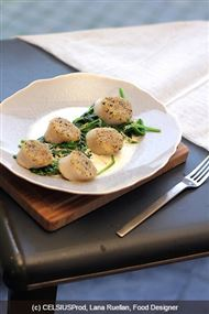 Voir la recette : Coquilles St Jacques aux épinards