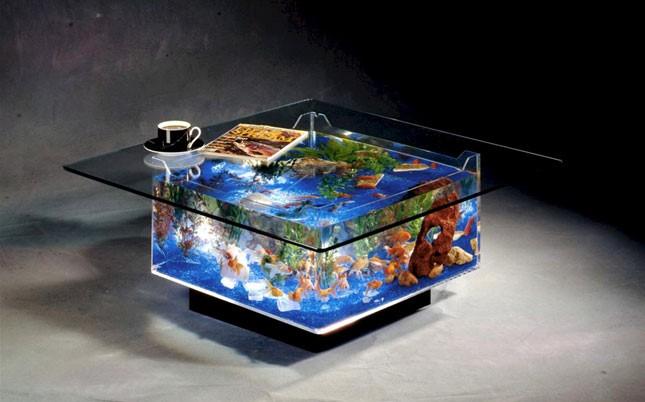 Offrez une table basse aquarium à vos poissons rouges - Gojimag
